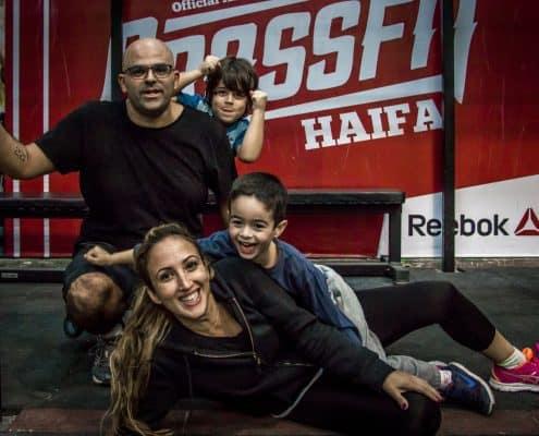 משפחות פרץ ושווץ אחרי אימון עם הילדים בקרוספיט חיפה