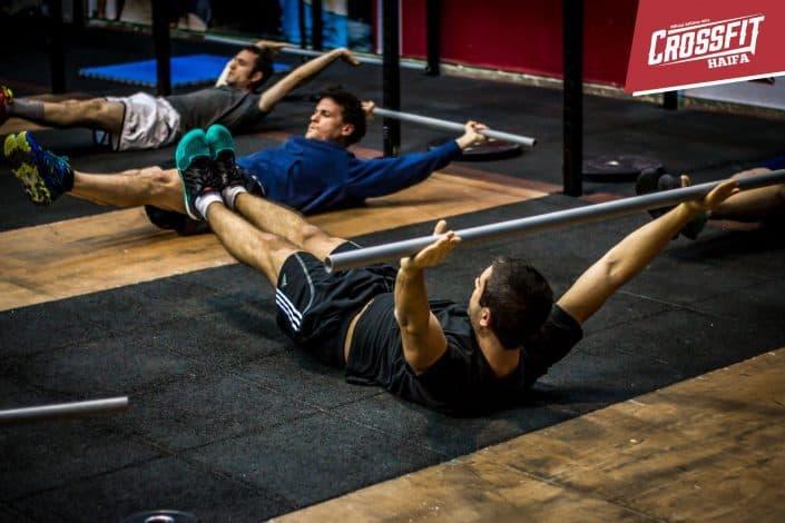 מחזקים את שרירי הבטן והגב לפני כל אימון