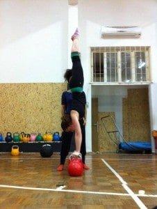 bella handstand crossfit haifa